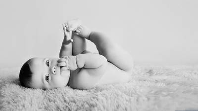 Bumps to Babies: Photographing Motherhood