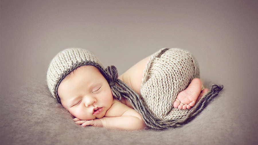 Newborn photography secrets for better photos kelly brown