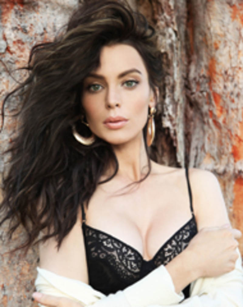 Yoanna House nude photos 2019